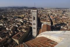 """Fevrier 2008 - Italie/Florence: Cathedrale Santa Maria del Flore ou Duomo: le """"Campanile de Giotto"""" et la place de la Republique"""